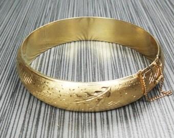 Vintage 18k Gold Bangle Hinged Bangle Bracelet Engraved Floral Bracelet Etched Bracelet Heavy Wide Bangle Brushed - Free Shipping