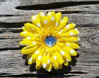 Yellow flower hair clip, yellow daisy hair clip, flower hair clip, flower hair bow, flower hair accessory