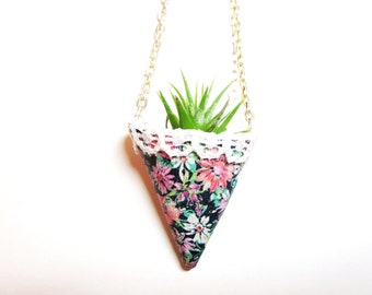Wearable Planter necklace  -Live Plant Necklace -Air Plant  necklace -Miniature Terrarium Live plant Necklace - leather planter necklace