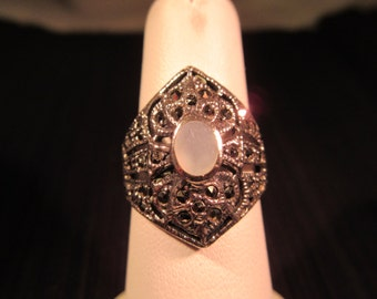 Cool Vintage Sterling Silver Mother of Pearl Ring - 7