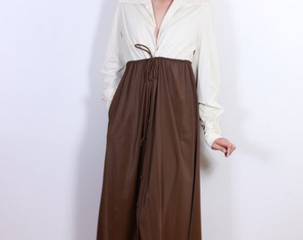 1960s Brown and White Vanity Fair Night Robe