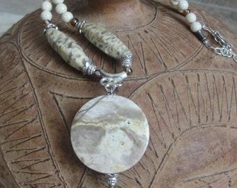 Beige Natural Stone Necklace Set