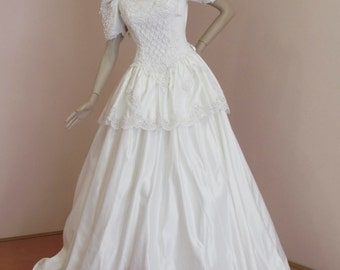 80's Vintage Wedding Dress with Train