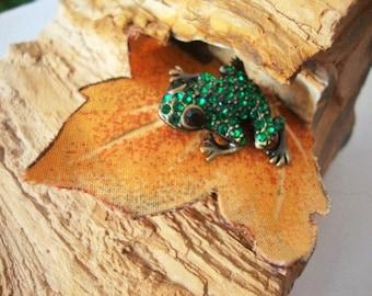 Vintage Brooch Pin ~ Green Rhinstone Frog