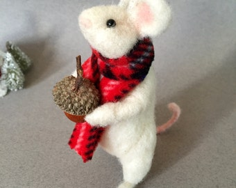 Needle felted mouse, wool felt animal, felted mice, wool felt mouse, felt mouse, felted animal, Christmas mouse, mouse lover gift