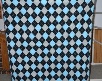 Argyle print fleece blanket
