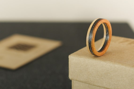 SKATEBOARD recycled ring orange and black (wood)