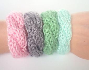 Cable Knit Bracelets Set of 2, Knitted Bracelet, Girls Knit Bracelet, Friendship Bracelet, Custom Bracelet [THE HOLLY BRACELET]