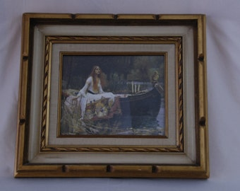 """Vtg Frame 16.5"""" l x 15.5"""" w x 2"""" d. Holds 8 x 10 print. Gold, off white and off white fabric."""
