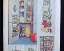 Uncut Vintage 1970s Closet Handbag Organzier Hanging Shoe Bag Boot Holder Dress Hanger Covers Sewing Pattern Simplicity 5550 Home Decor