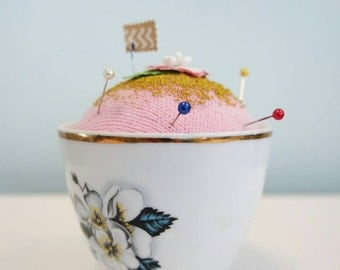 Glenda cupcake pin cushion