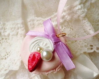 Macaron Necklace, Pink, Pastel, Kawaii Necklace, Cute Sweets Necklace, Strawberry macaron, Decoden Necklace- Deco Macaron