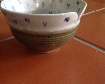 Vintage 1982 Ceramic Glazed Stoneware Bowl, Small Stoneware Bowl, Blue/White Glazed Pattern Vintage Stoneware Bowl