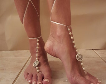 Wedding Beach Sandals,Barefoot Sandals,Foot Jewelry,Bridesmaid's gifts,Pearl Barefoot Sandal,Poolside Sandals,Wedding night sandals,Yoga