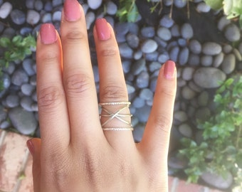 Silver Wire Criss Cross Ring, Stackable ring, Minimalist ring, Bridesmaid ring, Boho ring, Ring set, Dainty wire ring, Handmade ring