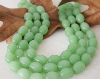 Strand Glass Oval Opaque Jade Beads Light Green Size 16 x 12mm - Qty 22 beads