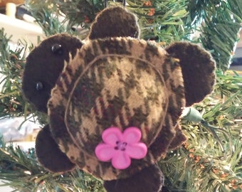 Turtle Ornament w/ dark pink button