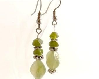 Green stone drop earrings - Handmade jewelry
