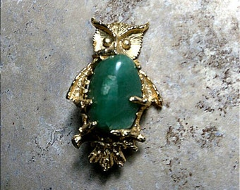 Gold Toned Owl Vintage Brooch With Green Stone