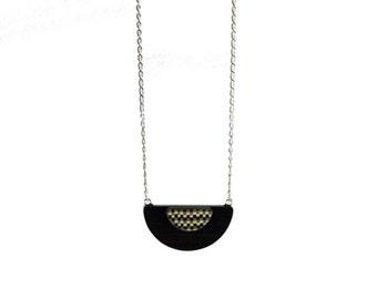 Sale 40% necklace Art Deco black saucer