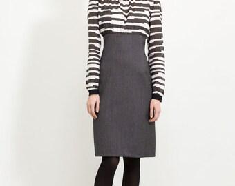 Feminine pencil dress for Office