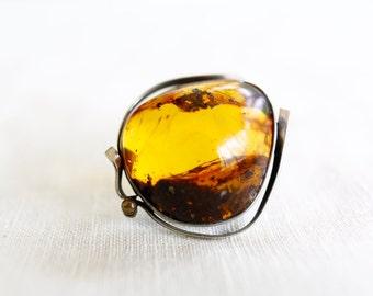Vintage Baltic Amber Pin