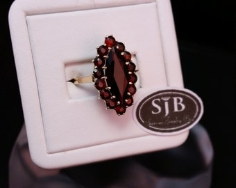 Garnet Marquise Ring, 14kt Yellow Gold, Size 7.5, #SD243