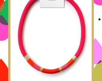 Necklace string fuxia