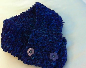 Neck warmer scarf with buttons