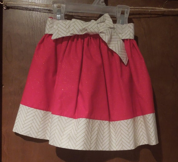 Holiday Skirt,Christmas Skirt, Baby Skirt, Toddler Skirt, Girls Skirt, Red Sparkle with Cream and Gold Haringbone Tie Skirt  26.99+