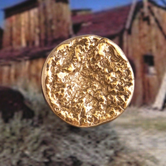 Rocky - Made bronze ring hand - nugget - gold rush