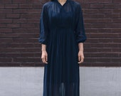 Vintage Japanese dress / Showa-era one-piece dress / Navy-blue with royal-blue stitched detailing / Long-sleeve, sewing snap bodice / 1970s
