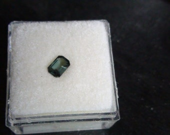 Green sapphire .67 ct   emerald cut