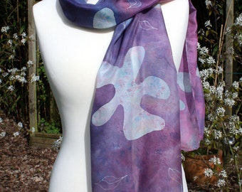 Silk scarf, elegant en flexibel. NEW PRICE.