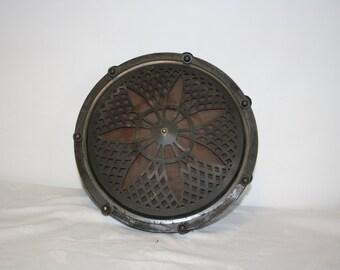 Antique speaker