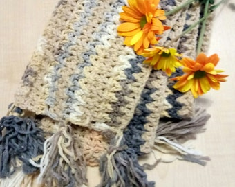 Chunky knit scarf hood