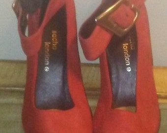 Sacha London red suede pump