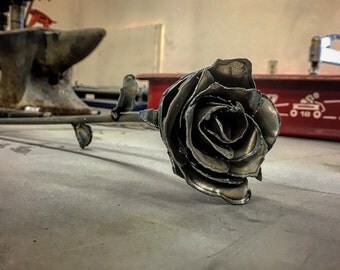 Steel Rose (long stem)