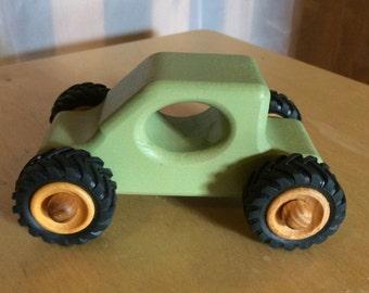 Wooden car mini TRUGGY mint