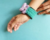 Crochet bracelet green black purple #010