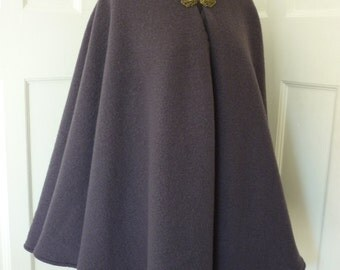 Wool cape with contrasting lining - wide range of colours - made to order