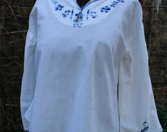 White and blue cotton peasant blouse top Guatemala XL
