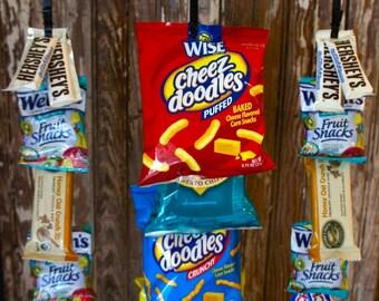 "Vintage Inspired Clip Rack with ""Snack Bar"" Magnet"