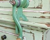 Vintage Speckled Green Cast Iron Meat Grinder  | Farmhouse Kitchen Food Mincer | Primitive Kitchen Decor