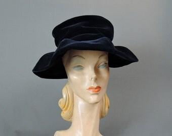 Vintage Midnight Blue Velvet Hat Sculpted Wide Brim, 21 inch head, 1960s Vintage hat