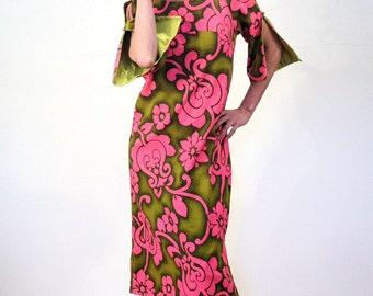 60s Liberty House Dress, Lime Green Pink Barkcloth Hawaiian Dress, Floral Hawaiian Muumuu, Bark Cloth Aloha Dress, Pool Party Dress M