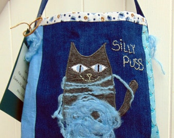 Shoulderbag, Cat, Kitty, Silly Puss, vintage fabric, denim fabric, upcycled, recycled, blue, ultramarine blue, navy blue, humor, fun, floral