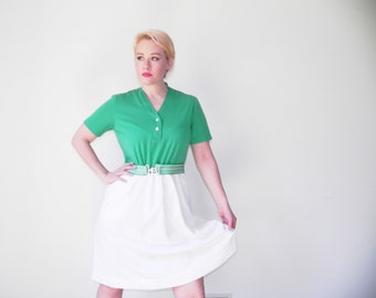 Emerald Green Vtg Day Dress With Matching Cinch Belt // Mint Condition