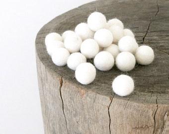 Felt Ball - Felt Bead - Felt Wool Ball 1 inch Bulk - White, Blue, Green, Brown, Pink Felt Ball 2cm - Needle Felted Ball - DIY Crafts - 10