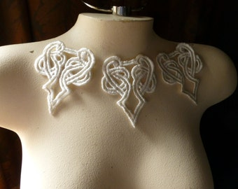 3 Celtic Knot Lace Appliques in IVORY for Jewelry Supply, Garments, Costume Design IA 121